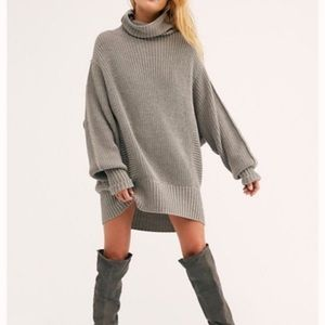 Free People Chunky Cocoa Knit Turtleneck Sweater